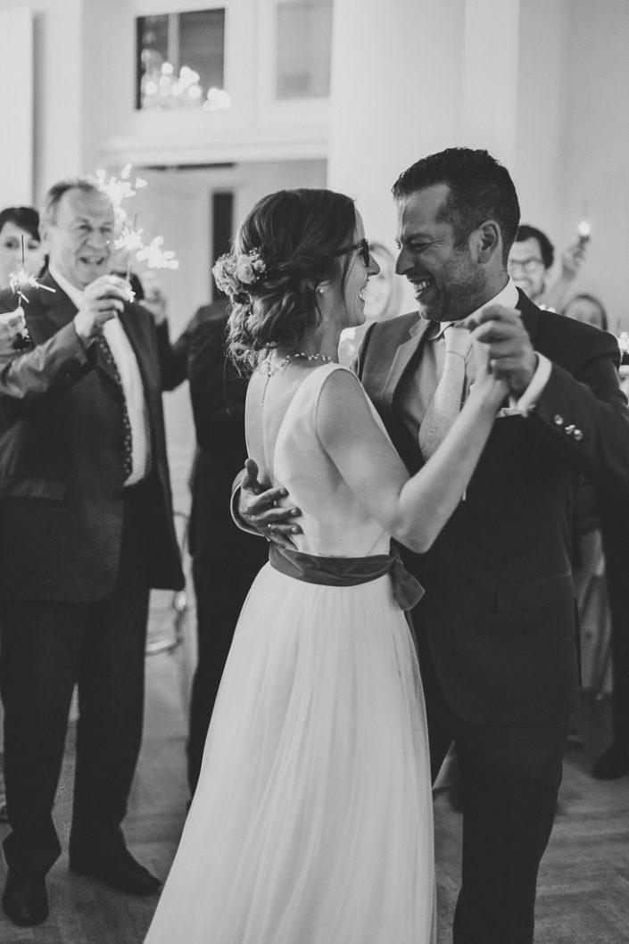 Raphi und Manuel beim Hochzeitstanz